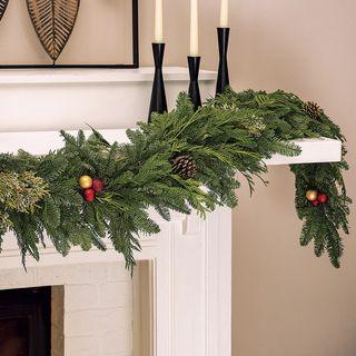 Classic Christmas Garland Image
