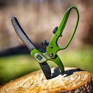 EZ  KUT  Pruners - Green Image