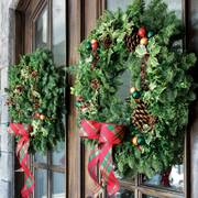 Holiday Greetings Wreath 24-inch