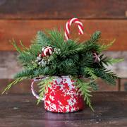 Cozy Christmas Mug Centerpiece
