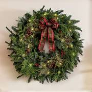 24-inch Classic Christmas Wreath with Lights