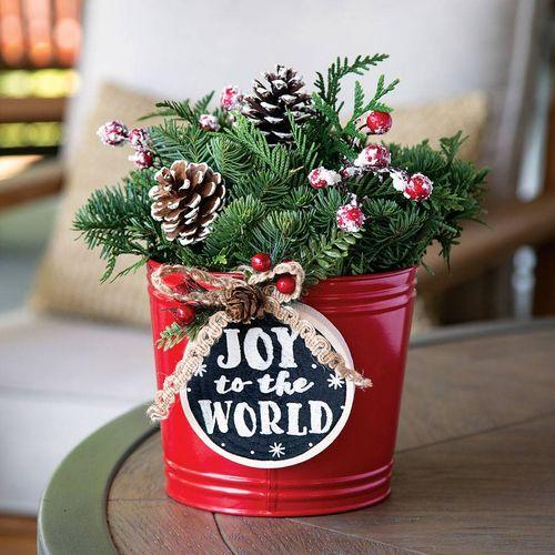 Joy to the World Centerpiece