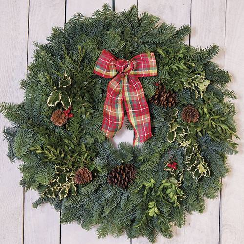 This wreath makes a statement