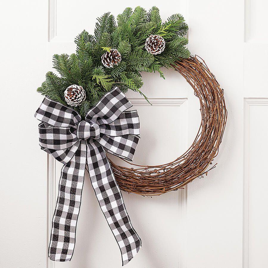 Festive Farmhouse Wreath Image