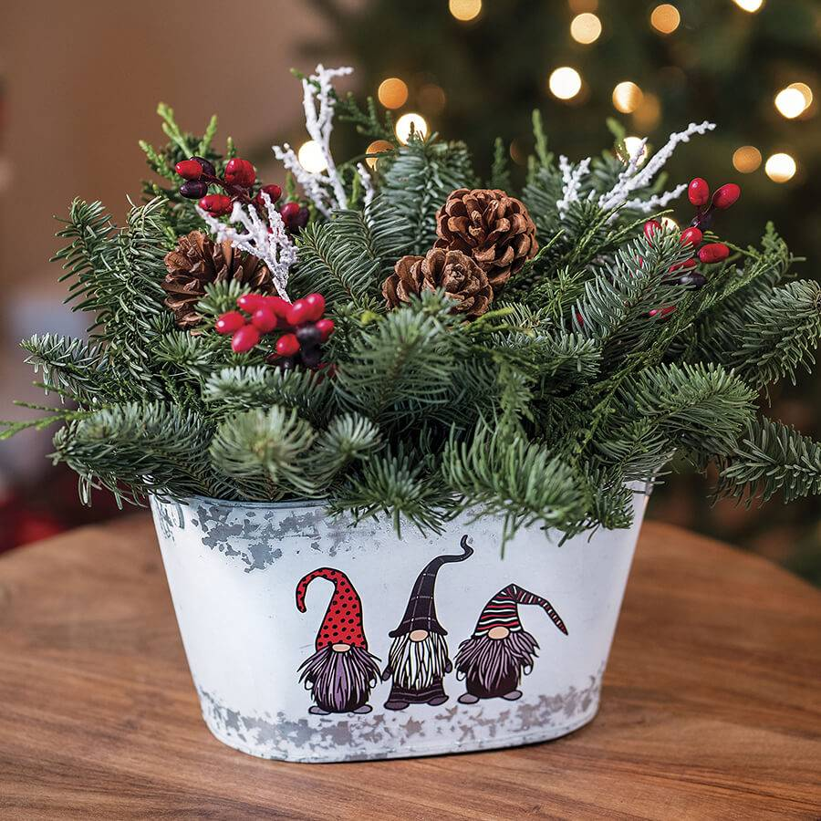 Gnome for the Holidays Centerpiece Image