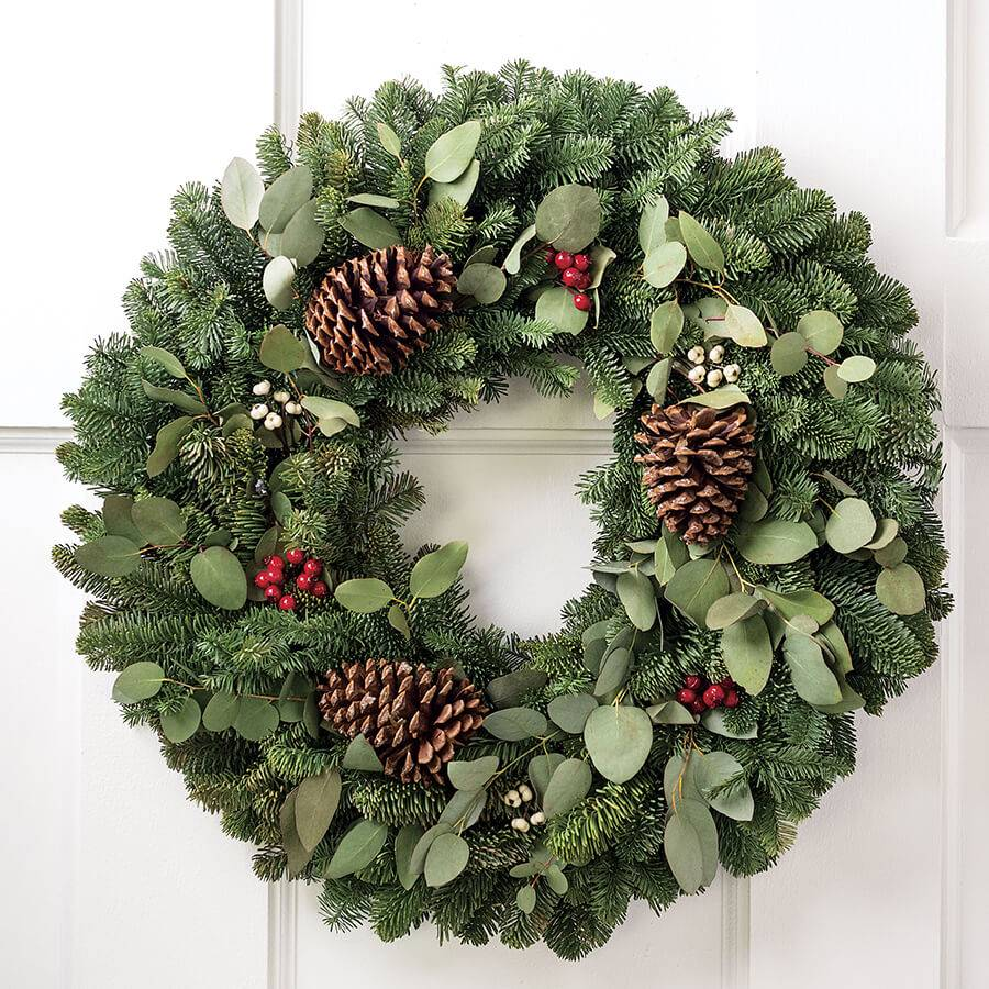 Holiday Memories Wreath 24-inch Image